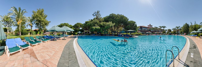 Panorama of the Grand Pool I at the IC Hotels Green Palace