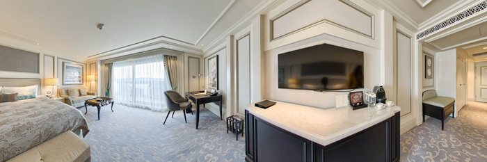Panorama of the Grand Premier Bosphorus Room at the Shangri-La Bosphorus, Istanbul