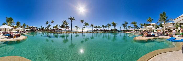 Panorama of the Infinity Pool at Secrets Akumal Riviera Maya