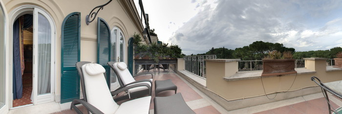 Panorama of the Junior Suite at the Hotel Splendide Royal