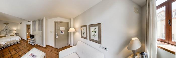 Panorama of the Junior Suite at the Hotel Palacio de Los Navas