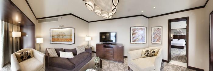 Panorama of the Junior Suite at the Sheraton Dubai Creek Hotel & Towers