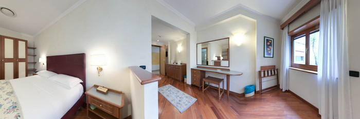 Panorama of the Junior Suite at the Eurogarden