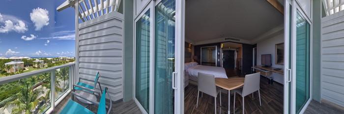 Panorama of the King Ocean at the Hilton At Resorts World Bimini