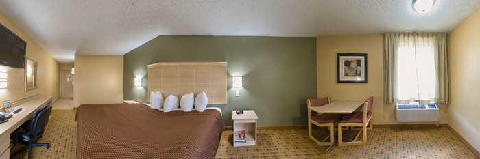 Panorama of the King Room at the Americas Best Value Inn Crabtree Raleigh