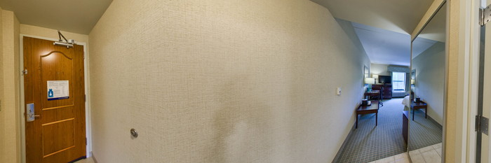 Panorama of the King Study at the Hampton Inn & Suites Wilkes-Barre