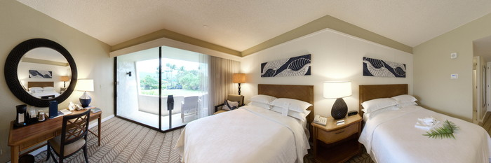 Panorama of the Mountain View Two Double Room at the Sheraton Kona Resort & Spa at Keauhou Bay