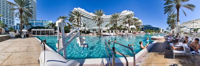 Oasis Pool at Fontainebleau Miami Beach