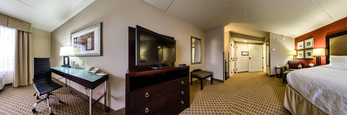 Panorama of the One King Bed at the Holiday Inn Pensacola - University Area