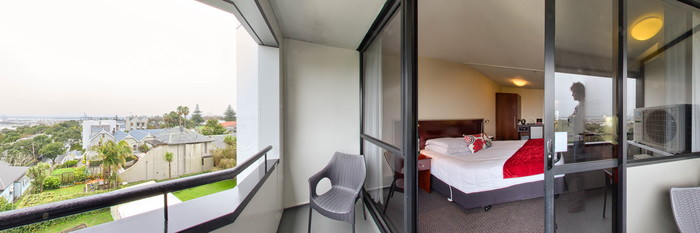 Panorama of the One King Bed, Balcony at the Quality Hotel Parnell