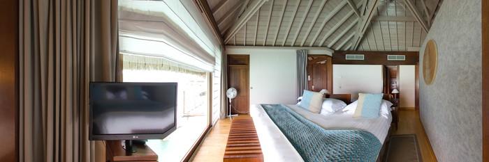 Panorama of the Overwater Bungalow at the InterContinental Bora Bora Resort & Thalasso Spa
