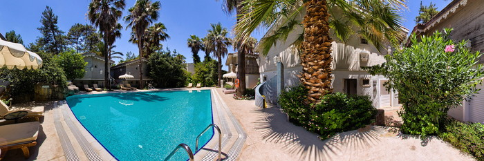 Panorama of the Pool at the Golden Key Bordubet