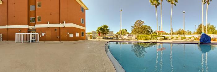 Panorama of the Pool at the Holiday Inn Express Orlando Airport