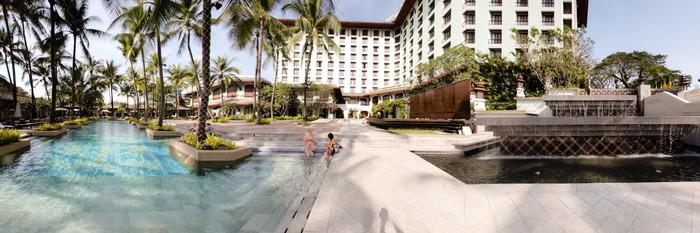 Panorama of the Pool at the Chatrium Hotel Royal Lake Yangon