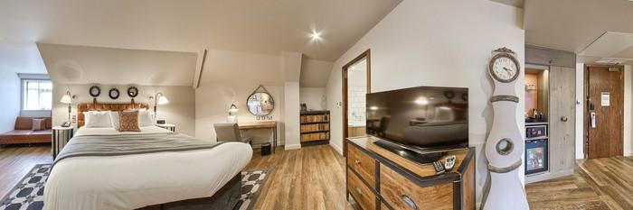 Panorama of the Premium Room at the Hotel Indigo York