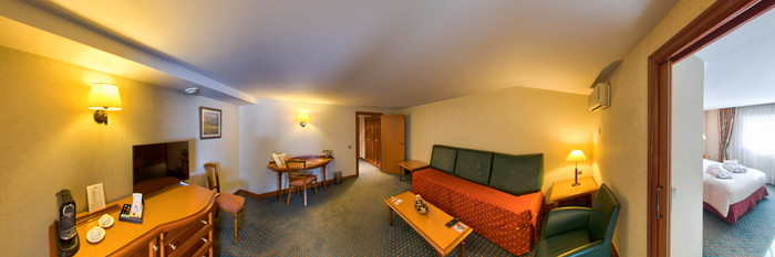 Panorama of the Prestige Room at the Hotel Mercure