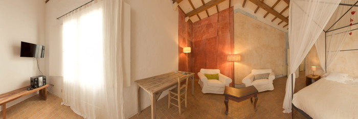 Panorama of the Sant Cristòfol Double Bedroom at the Hotel Tres Sants