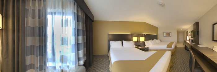 Panorama of the Standard Double Queen Room at the Holiday Inn Express and Suites Colorado Springs First and Main
