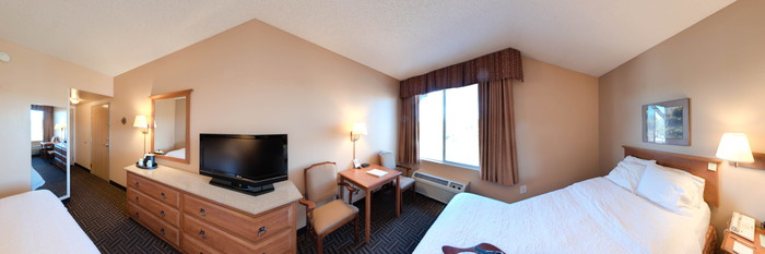 Panorama of the Standard Double Queen Room at the Hampton Inn & Suites Flagstaff