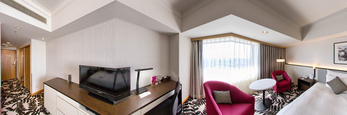 Panorama of the Standard King Room at the ANA Crowne Plaza Hotel Grand Court Nagoya
