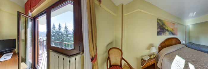 Panorama of the Standard Room at the Grand Hotel del Parco
