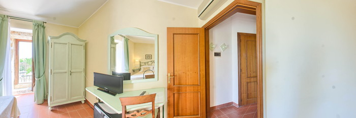 Panorama of the Standard Room at the Relais Villa Favorita