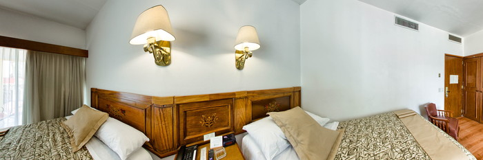 Panorama of the Standard Two Single Beds at the Hotel de Mendoza