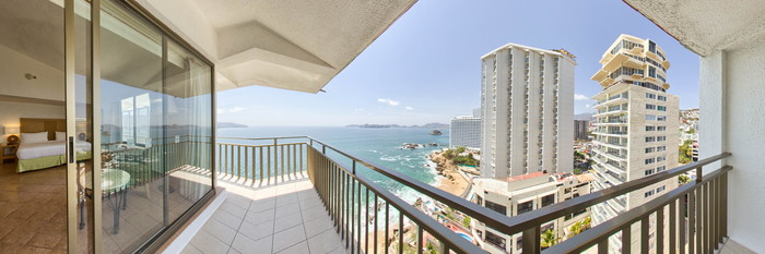 Panorama of the Suite at the Holiday Inn Resort Acapulco