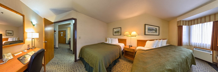 Panorama of the Suite Two Queen Beds at the Quality Resort Chateau Canmore