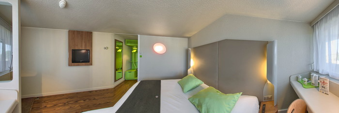 Panorama of the Superior Double Room at the Campanile Montpellier Est - Le Millenaire