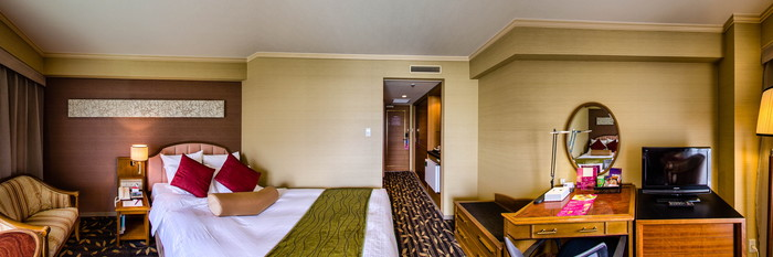 Panorama of the Superior Double Room at the Crowne Plaza ANA Nagasaki Gloverhill