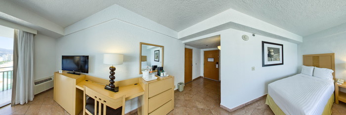 Panorama of the Superior Room at the Holiday Inn Resort Acapulco