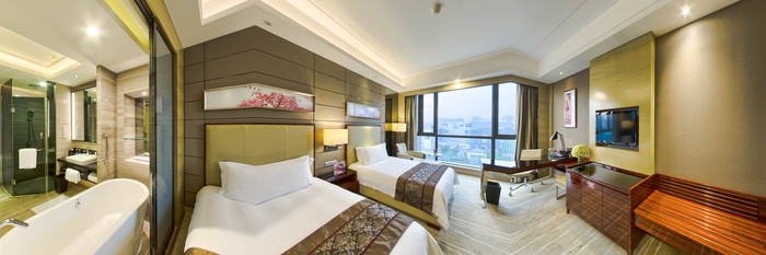 Panorama of the Superior Twin Room at the Crowne Plaza Shenzhen Longgang City Centre