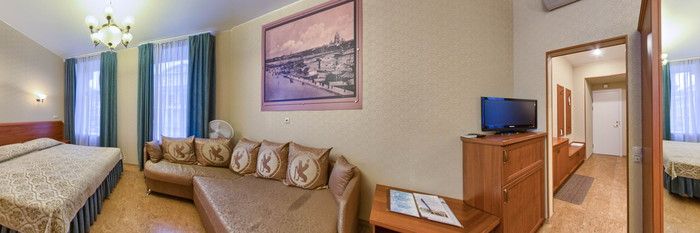 Panorama of the Superior Twin with Couch at the Comfort Hotel