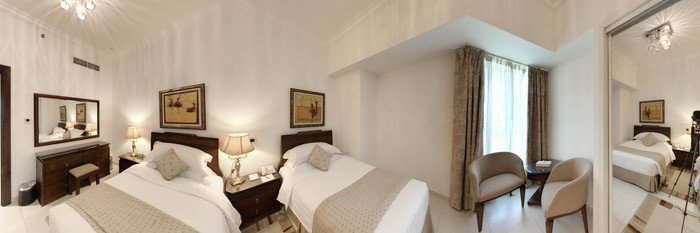 Panorama of the Three Bedroom Duplex Apartment at the Marina Hotel Apartments