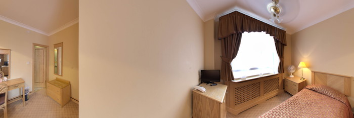 Panorama of the Twin Room at the Troy Hotel