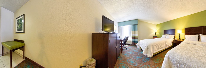 Panorama of the Two Queen Beds at the Hampton Inn Orlando International Airport