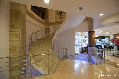 アルバ ロイヤル ホテル