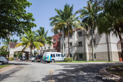 HYATT house Miami Airport