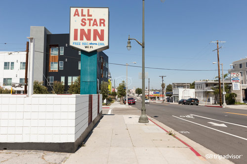 ‪All Star Inn‬