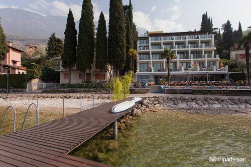 馬爾切西內湖濱酒店