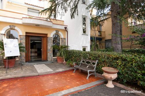 Hotel Seven Residence