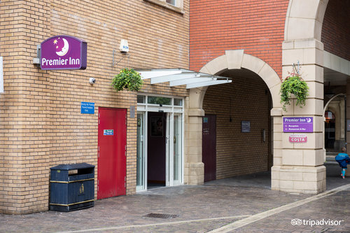 Premier Inn Swansea City Centre Hotel