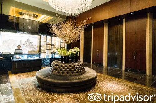 Lobby at the Shangri-La Hotel, Tokyo (398300715)