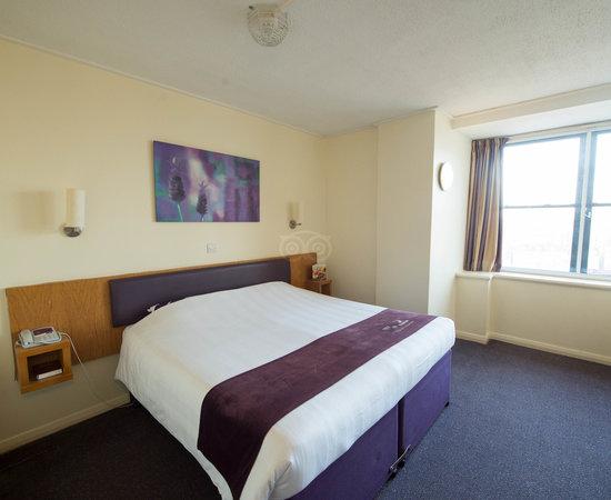 Premier Inn Glasgow City Centre (Charing Cross) Hotel