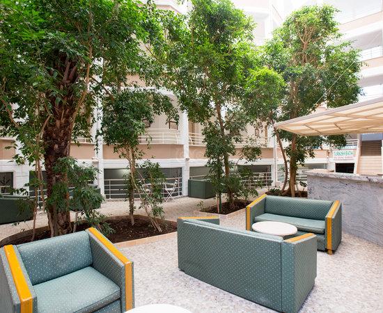 Club Atrium Apartments