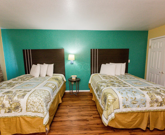 Pinn Road Inn & Suites