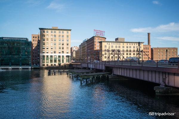 Seaport District / South Boston Waterfront