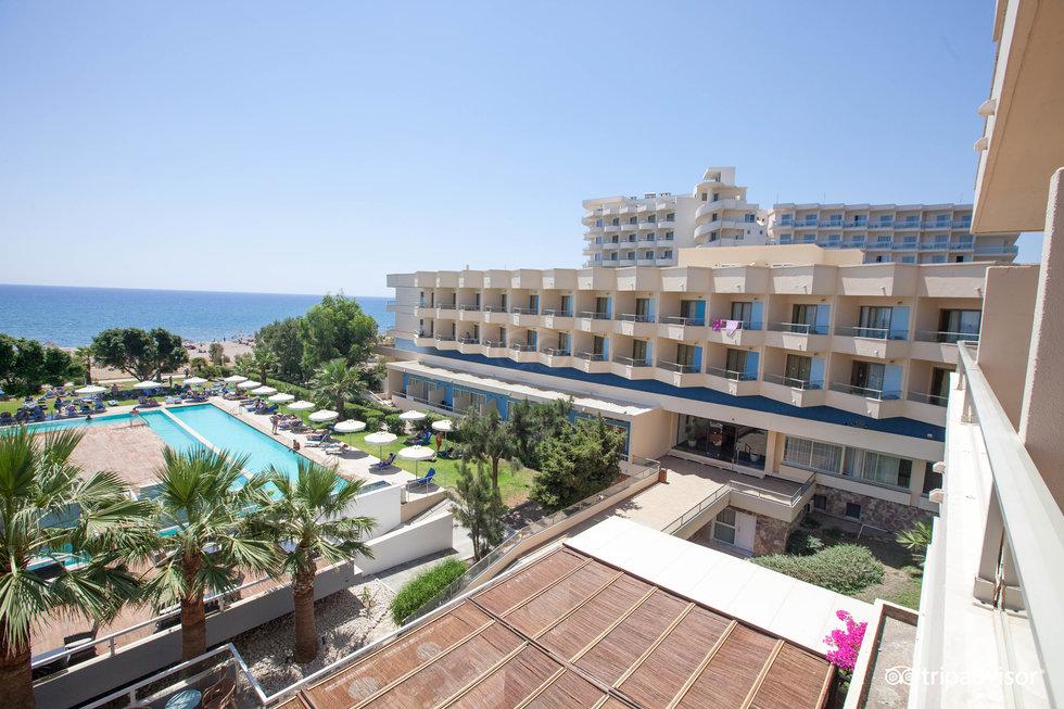 藍色海灘度假飯店
