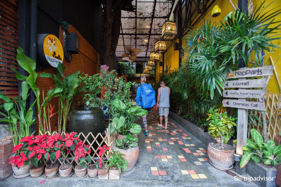 NapPark Hostel @ Khao San